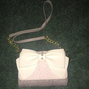Betsy Johnson wallet Chained bag